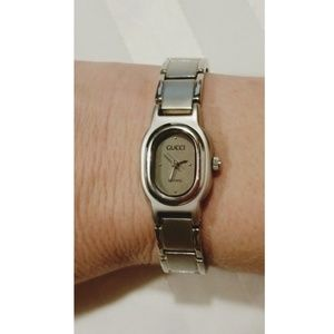 Authentic Vtg Gucci Ladies watch